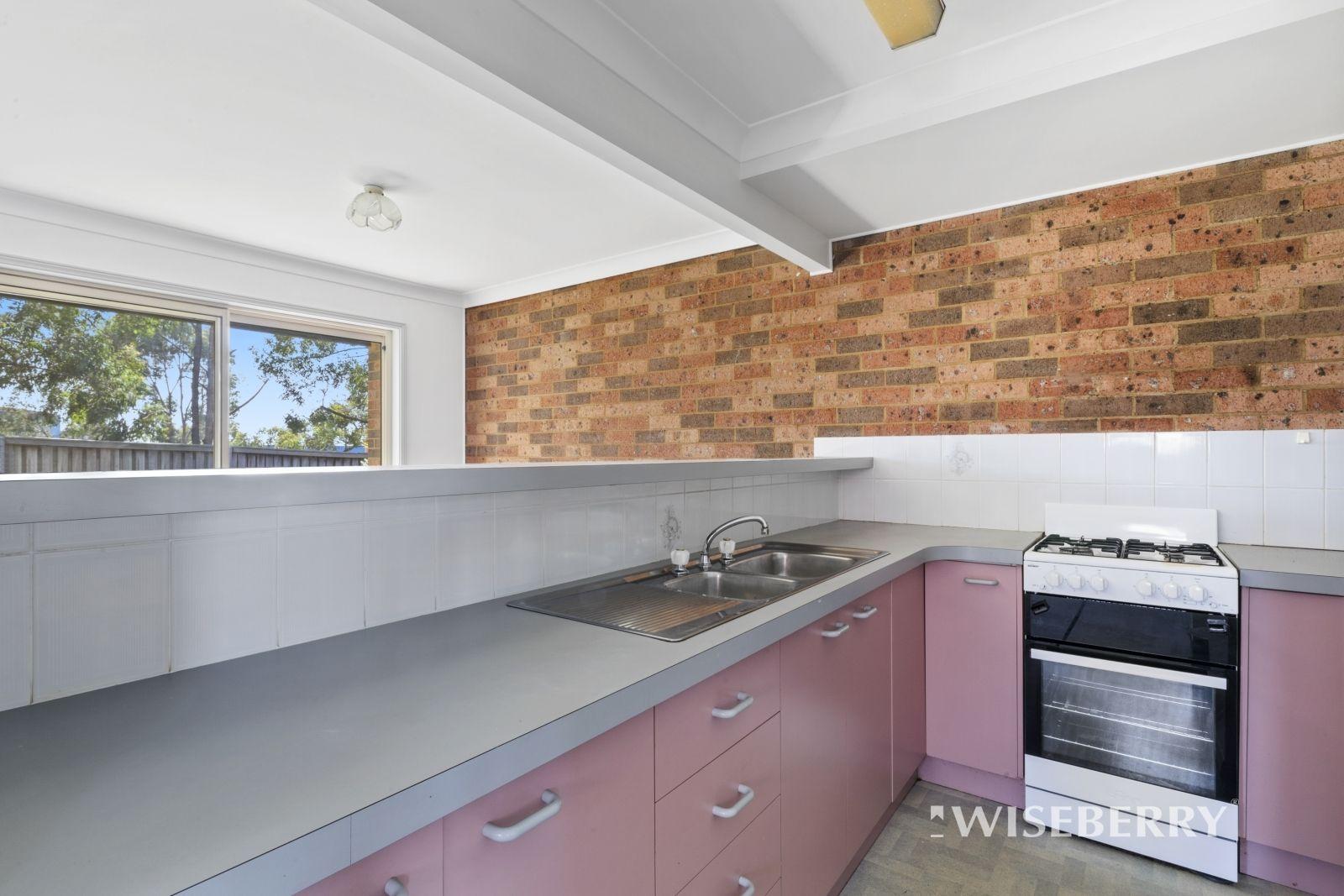 2/8 Lonsdale Close, Lake Haven NSW 2263, Image 1