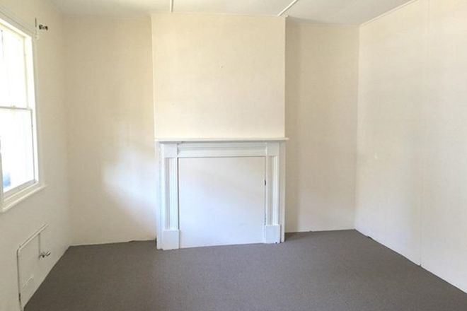 Picture of 114 Railway Street, COOKS HILL NSW 2300