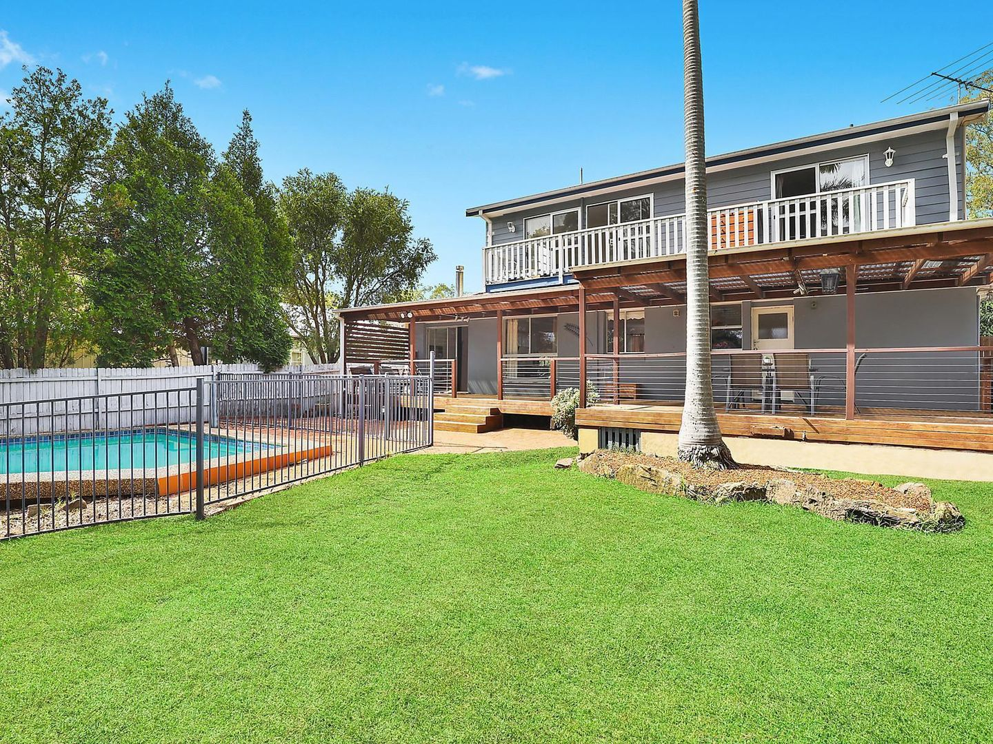 345 Somerville Road, Hornsby Heights NSW 2077, Image 2