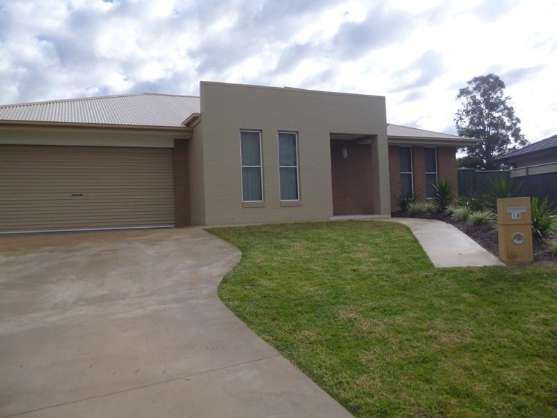18 Dalbeattie Cres, Dubbo NSW 2830, Image 0