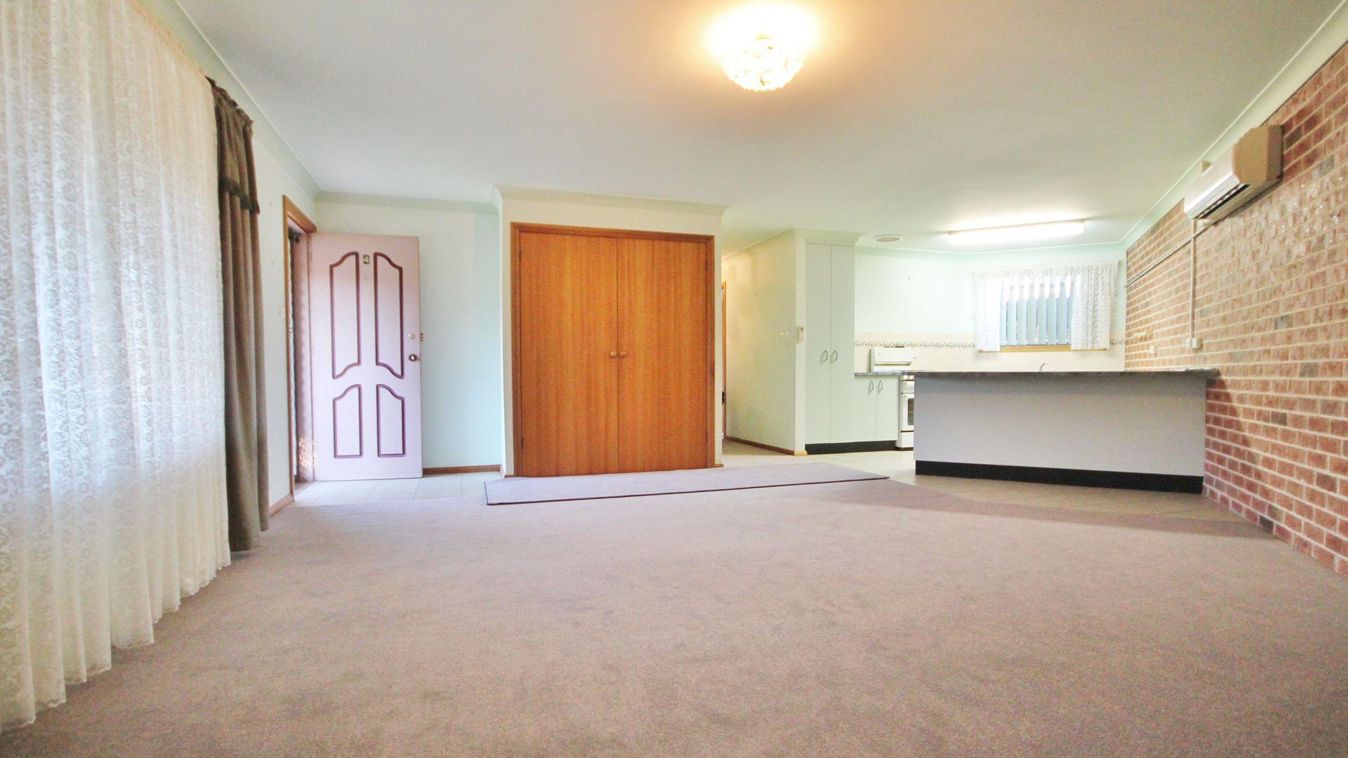 4/161 Nasmyth Street, Young NSW 2594, Image 1