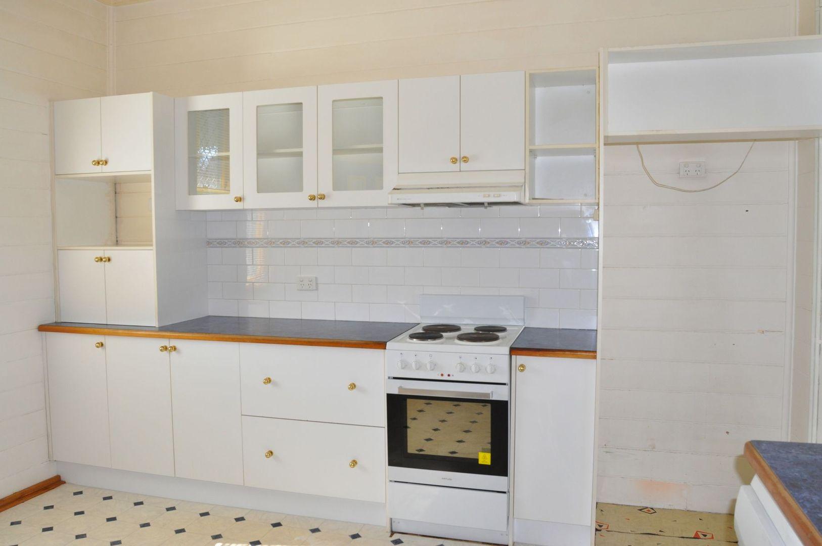 126 Lambert Street, Bathurst NSW 2795, Image 2