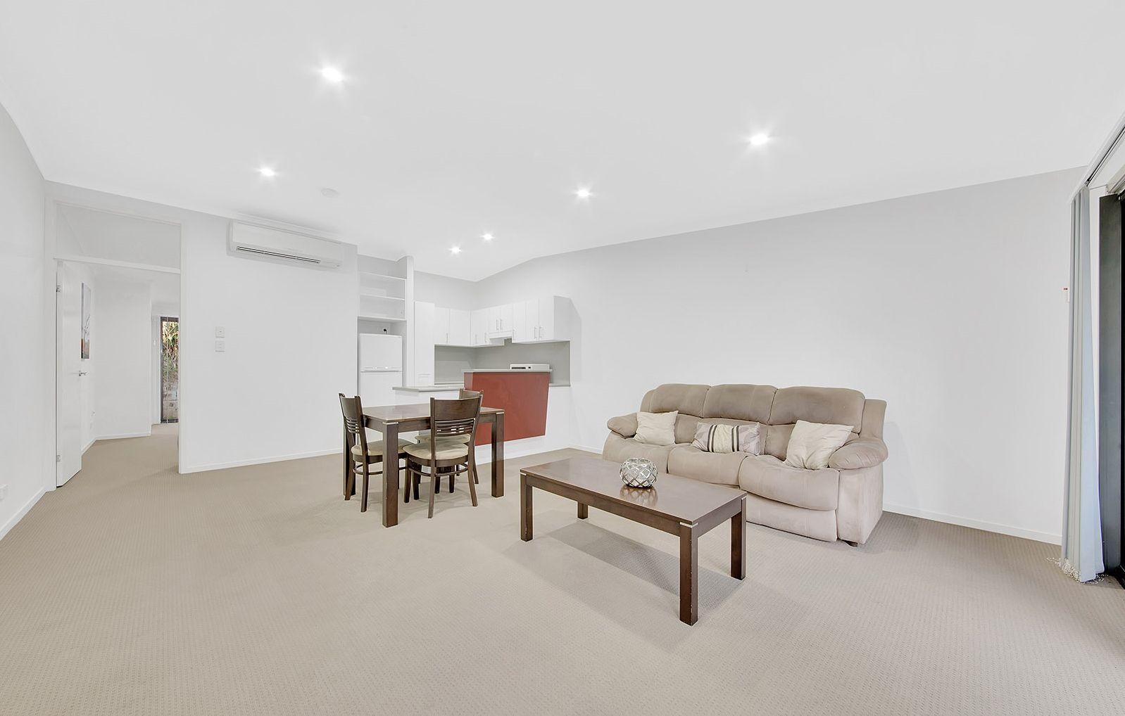 6/24 Kent Street, West Gladstone QLD 4680, Image 2