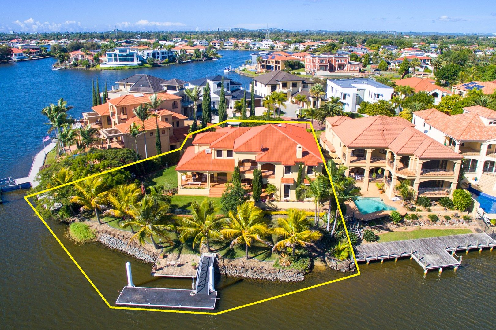 40 Istana  View, Clear Island Waters QLD 4226, Image 0