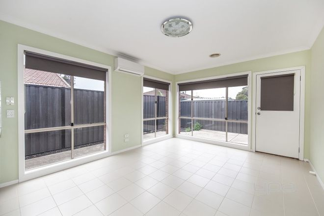 Picture of 2/15 Tudor Court, HOPPERS CROSSING VIC 3029