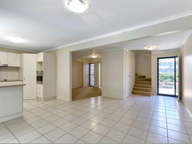 2/5 Slater Avenue, Lawnton QLD 4501, Image 1