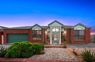 Picture of 17 Egret Crescent, Cairnlea VIC 3023