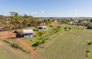Picture of 10 Dinsdale Street, York WA 6302