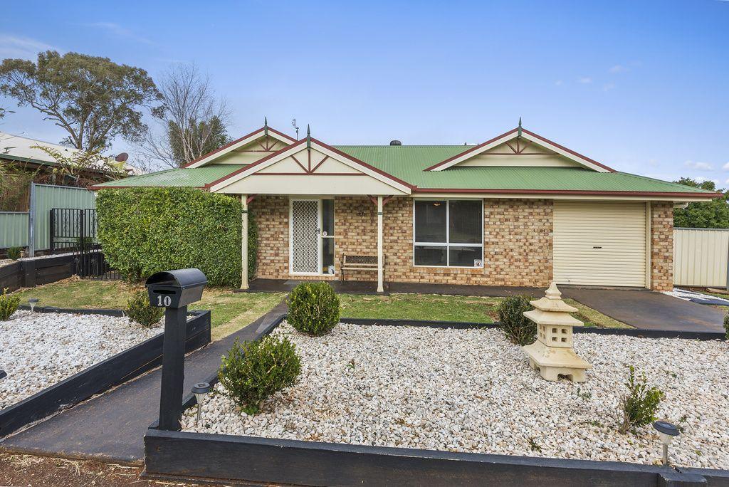 10 Saratoga Close, Wilsonton QLD 4350, Image 0