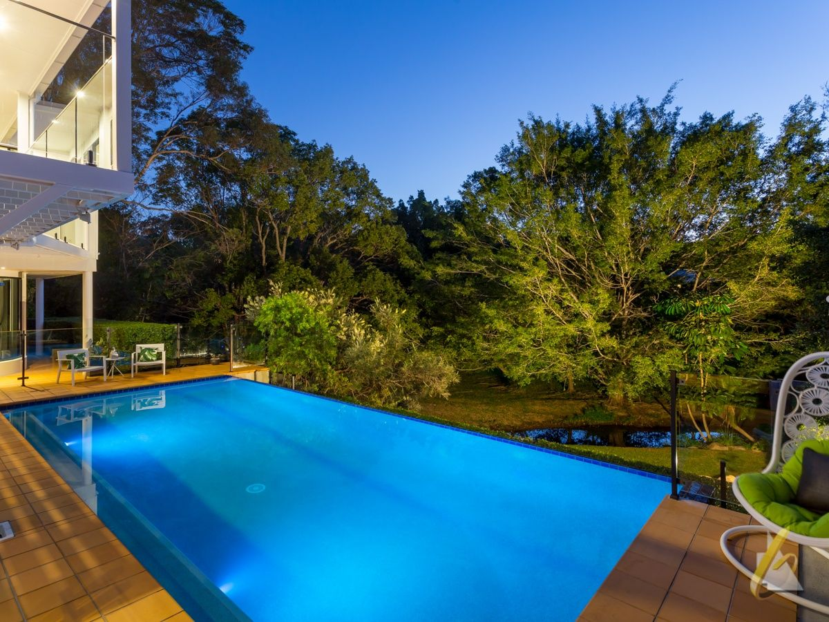 68 Tristania Road, Chapel Hill QLD 4069, Image 2