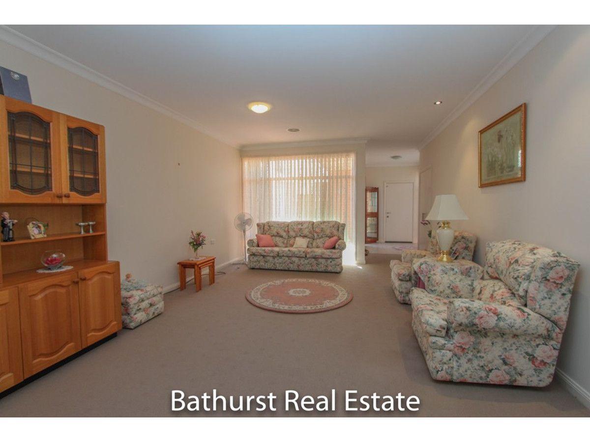 8/48 Rosemont Avenue, Kelso NSW 2795, Image 2