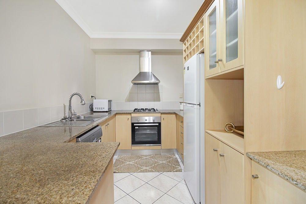 1625/2 Greenslopes Street, Cairns North QLD 4870, Image 2