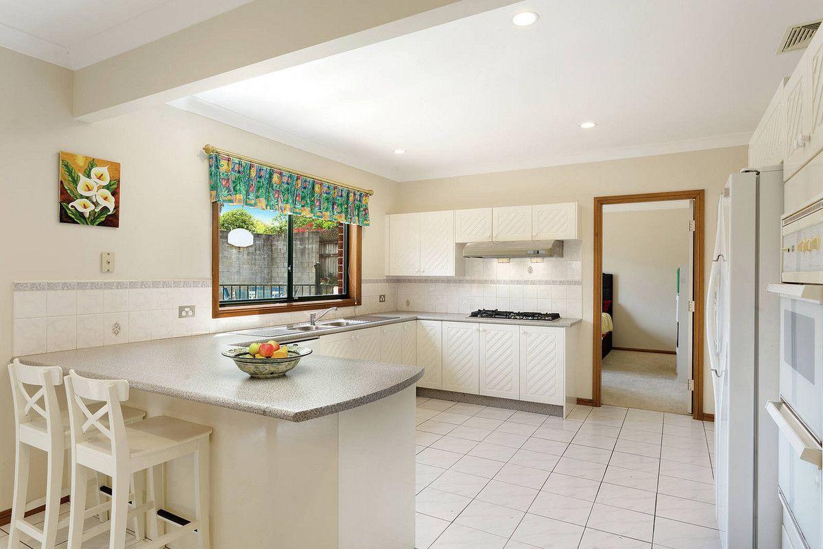 7 Phoenix Close, Castle Hill NSW 2154, Image 2