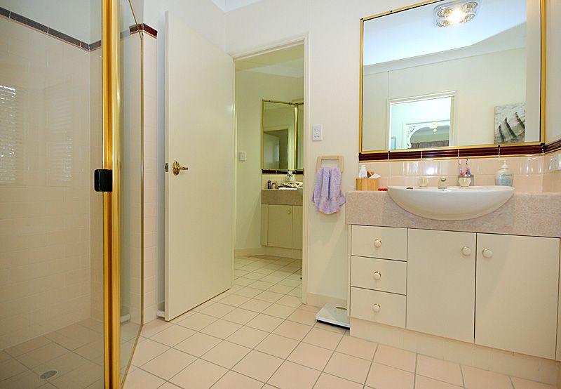 17 Ponderosa Place, Forest Lake QLD 4078, Image 2