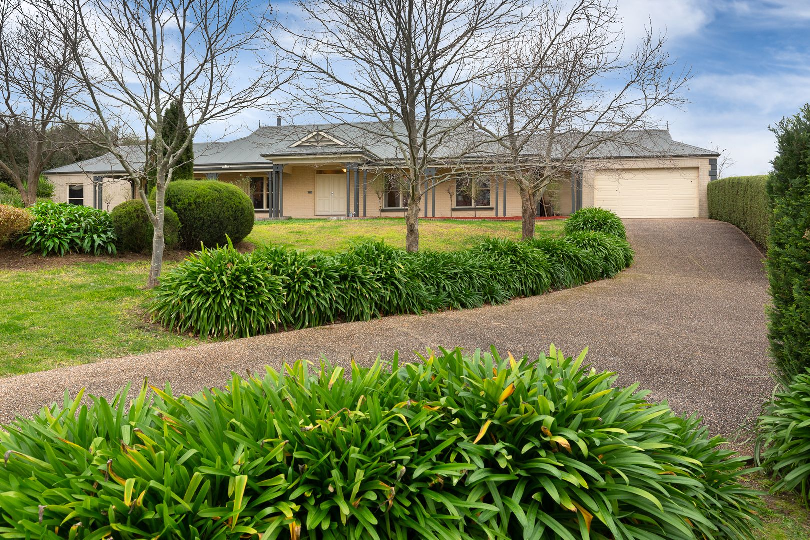 14-16 Cloverfield Close, Berwick VIC 3806, Image 0