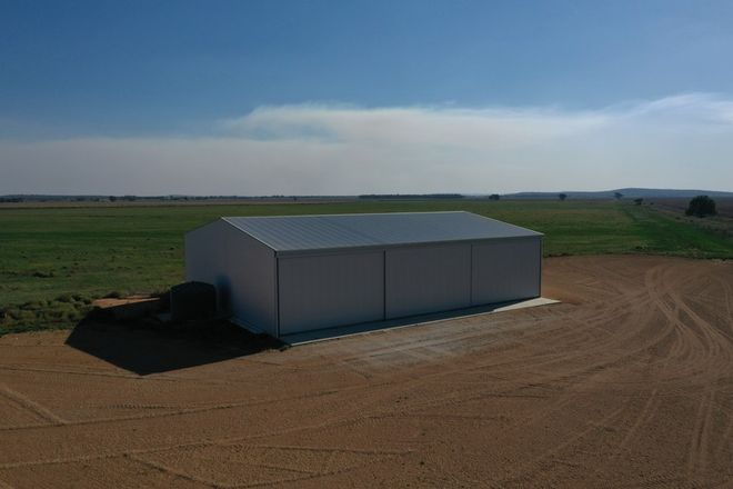 Picture of 4 Round Hill Road, LEETON NSW 2705