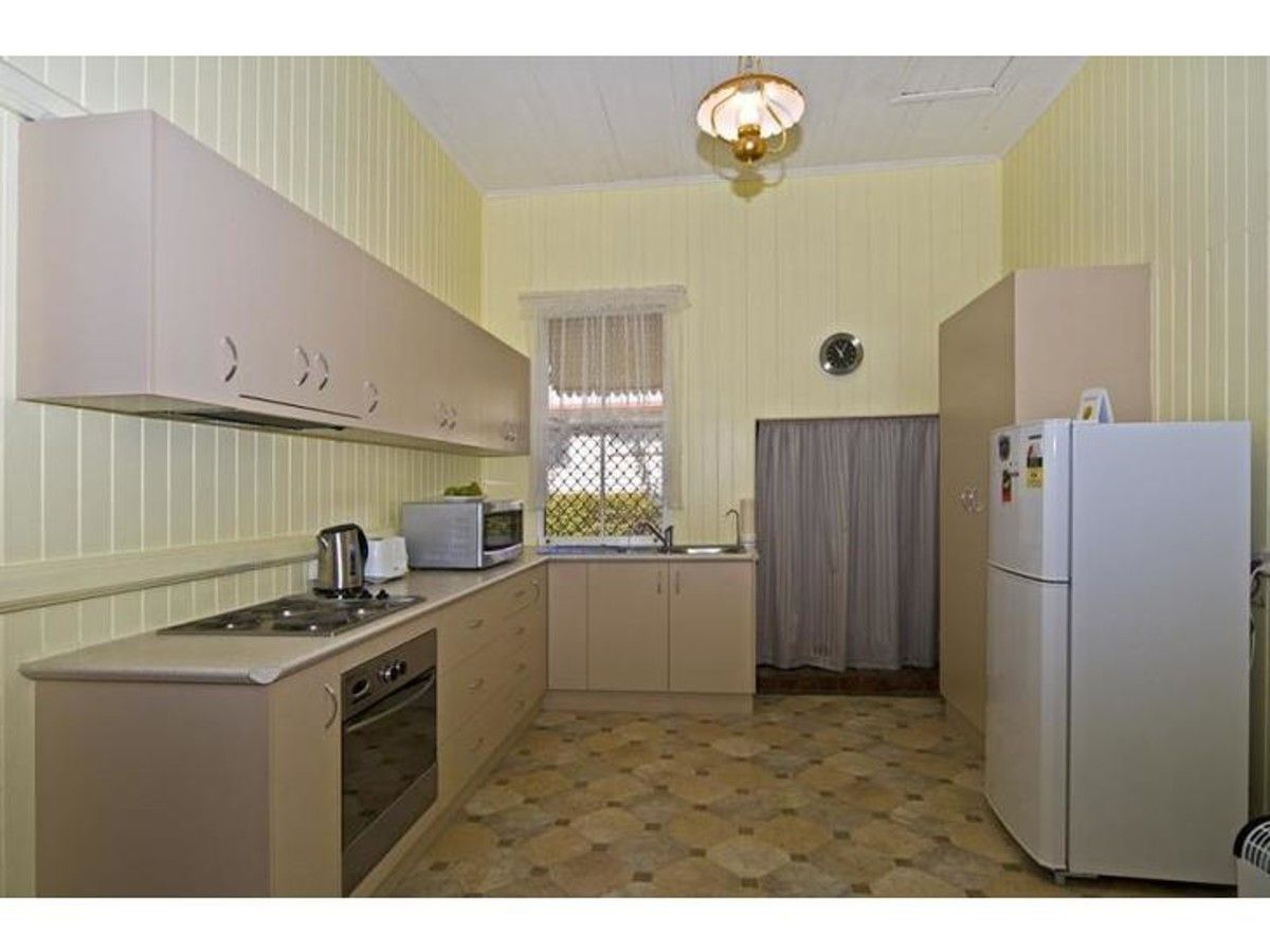 3 Llewellyn Street, Centenary Heights QLD 4350, Image 1