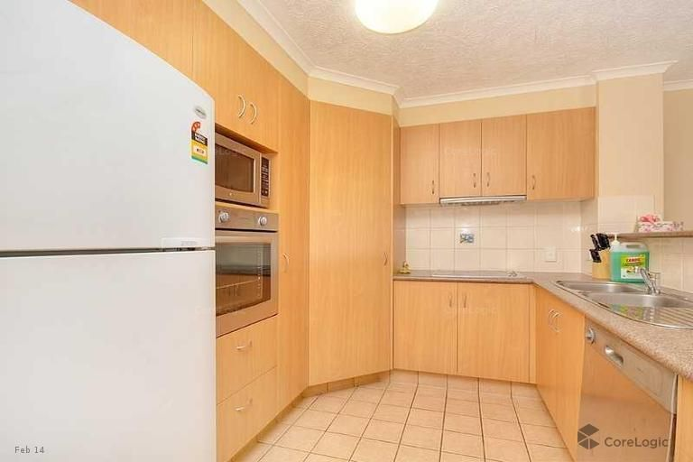 22/16 Sykes Court, Southport QLD 4215, Image 2