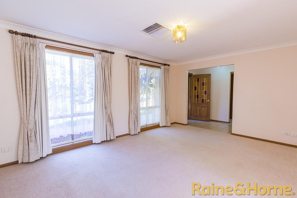 14 Cyril Towers Street, Dubbo NSW 2830, Image 2