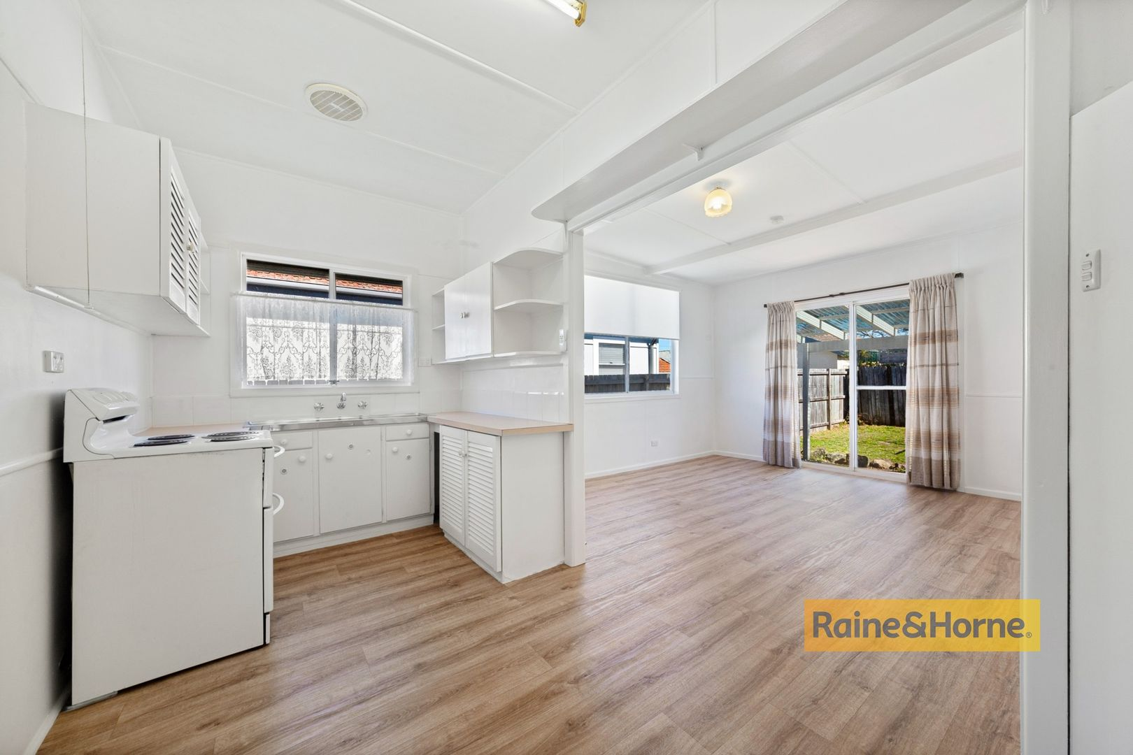 81a Barrenjoey Road, Ettalong Beach NSW 2257, Image 1