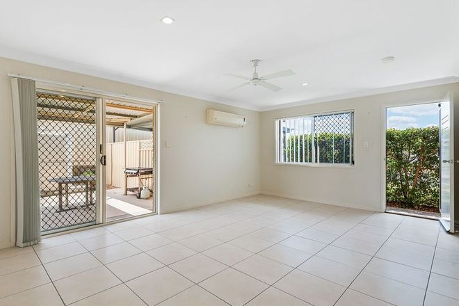 Picture of 2/35 Darzee Street, BRASSALL QLD 4305