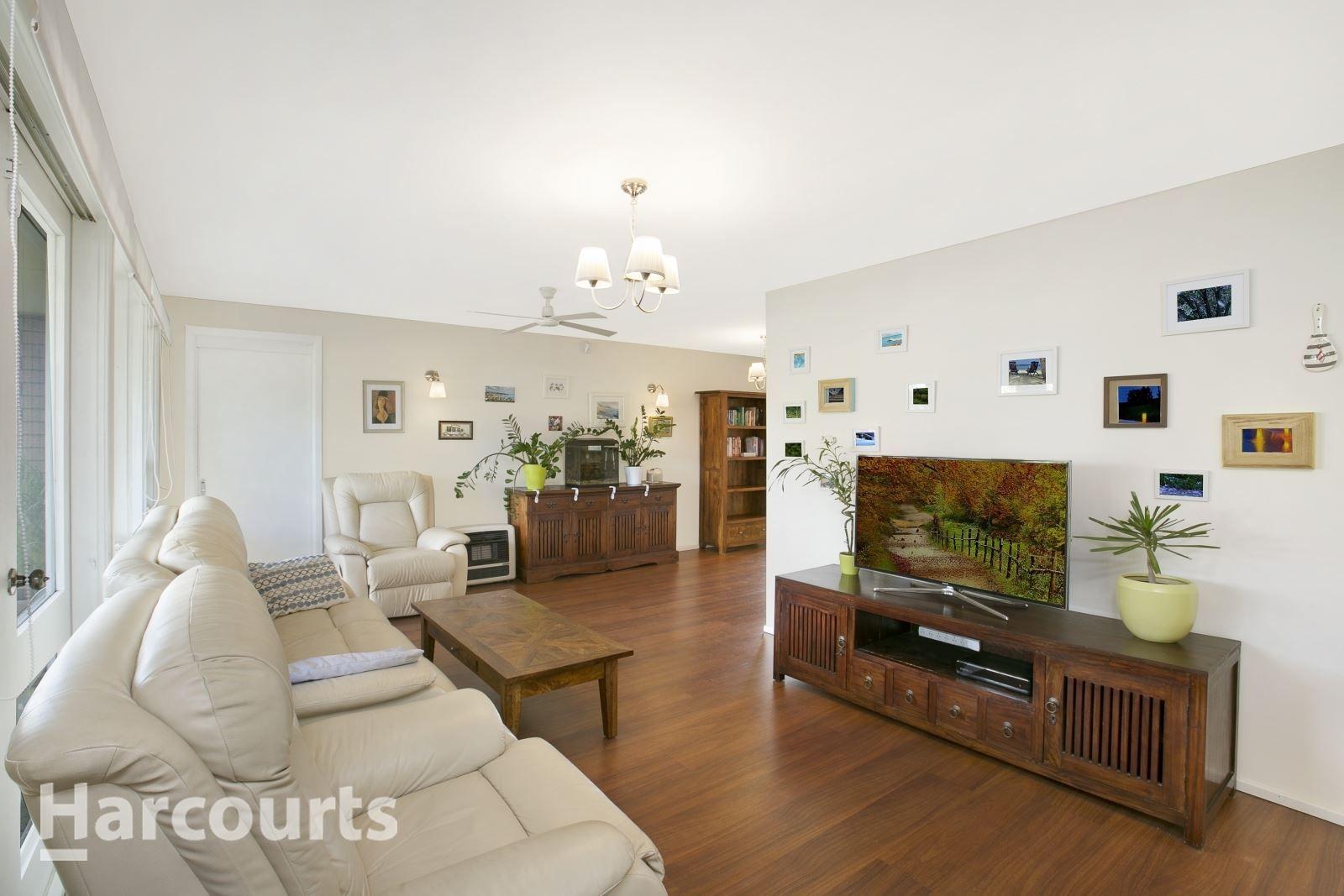 62 Pinaroo Crescent, Bradbury NSW 2560, Image 1