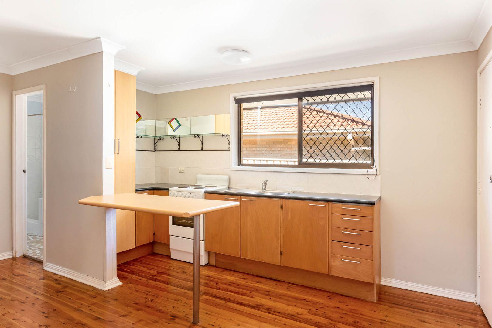 2/4 Lyne Street, Oak Flats NSW 2529, Image 2