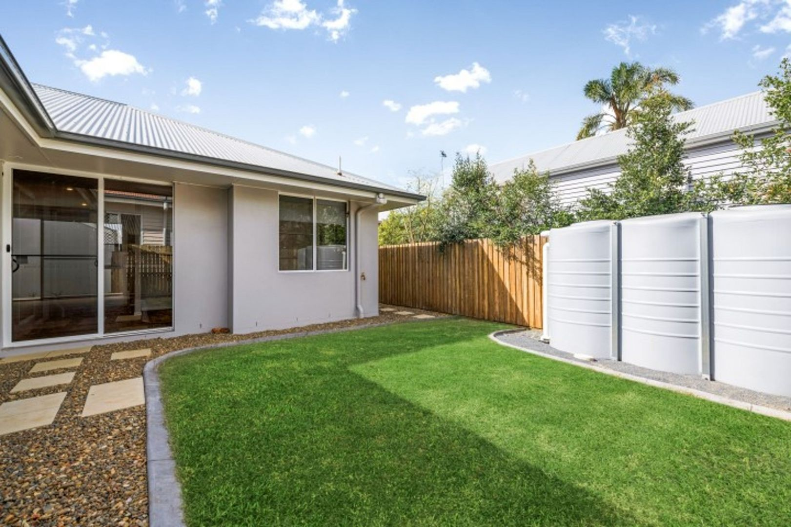 1/179a Campbell Street, Newtown QLD 4350, Image 2