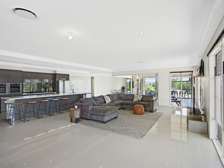 7 Regent Crt, Regency Downs QLD 4341, Image 1