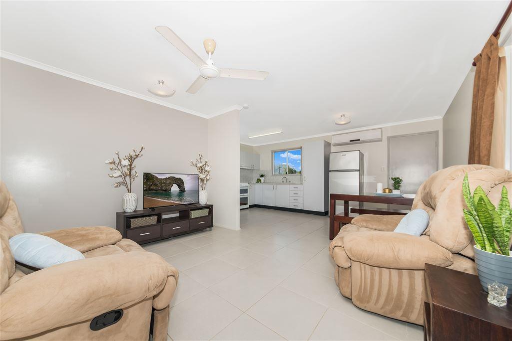 39 Brooks Street, Railway Estate QLD 4810, Image 2