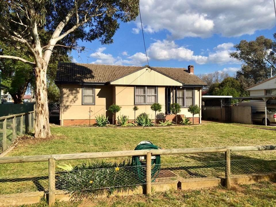 8 Williams Avenue, Cootamundra NSW 2590, Image 0