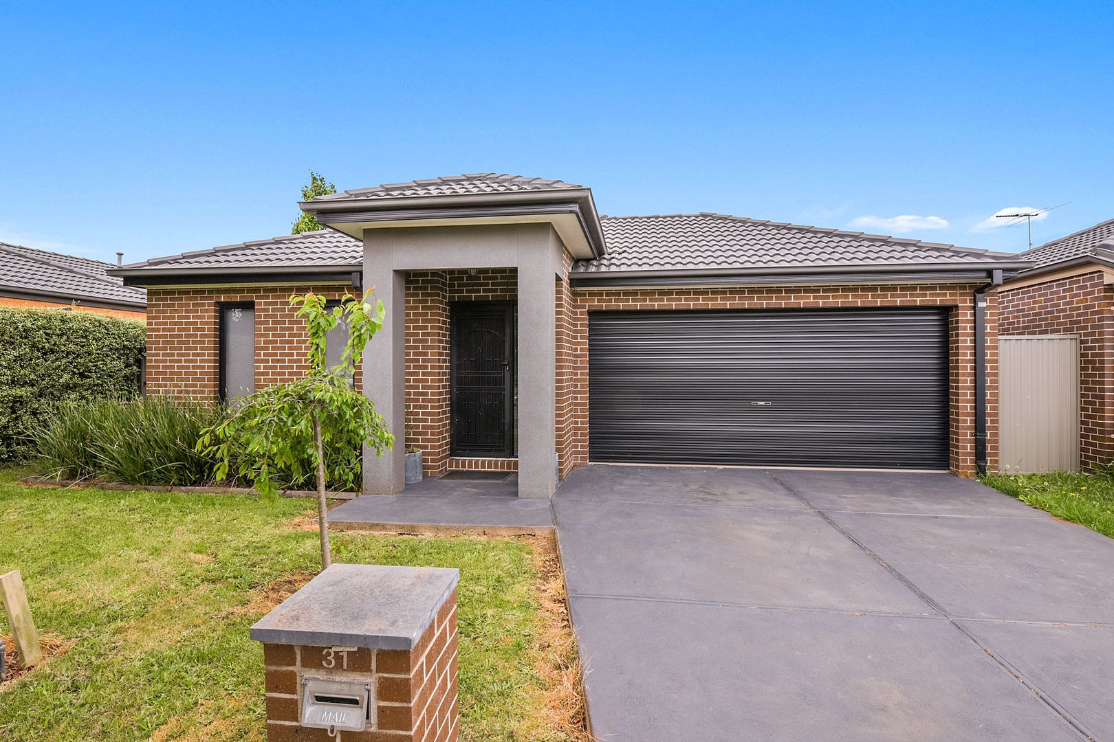 31 Stately  Drive, Cranbourne East VIC 3977, Image 0