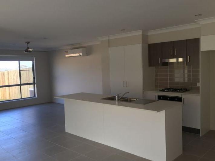 2/170 Handley Street, Darling Heights QLD 4350, Image 1