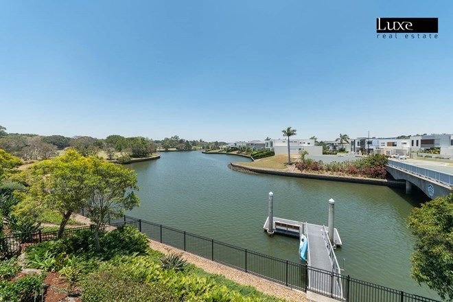 Picture of 7532 Springfield Drive, HOPE ISLAND QLD 4212