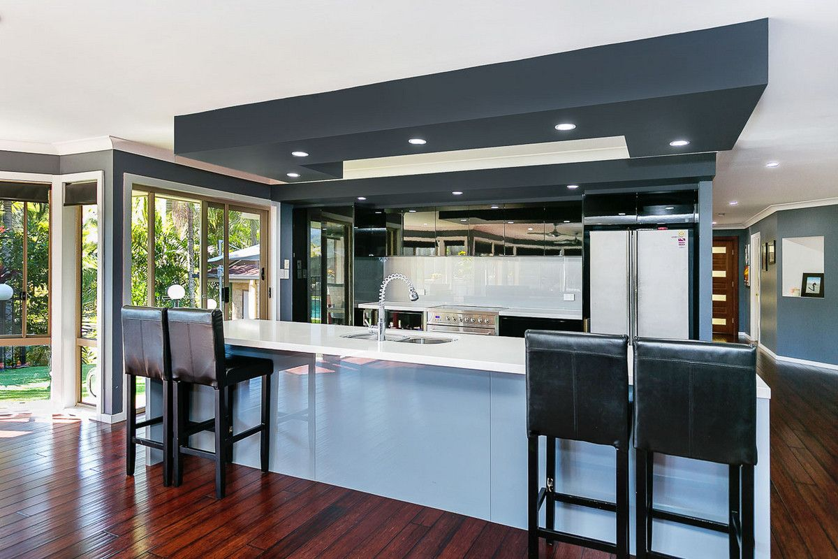 1 Basswood Court, Bonogin QLD 4213, Image 2