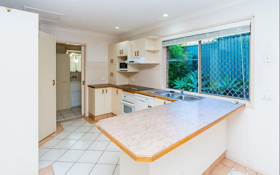 2/61a Eugaree Street, Southport QLD 4215, Image 1