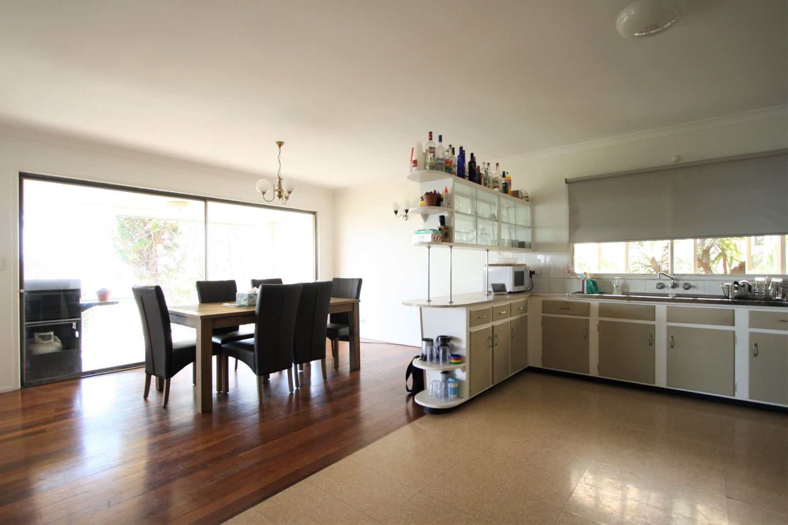 65 Kneale Street, Holland Park West QLD 4121, Image 2