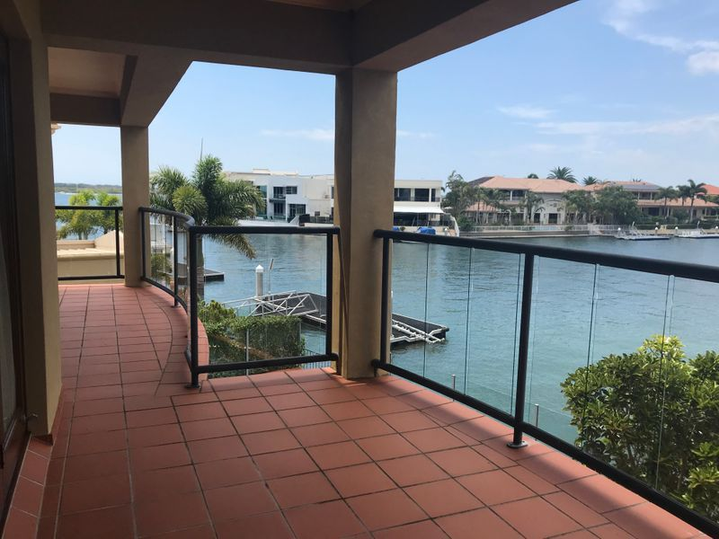 60 King Charles Dr , Paradise Point QLD 4216, Image 2