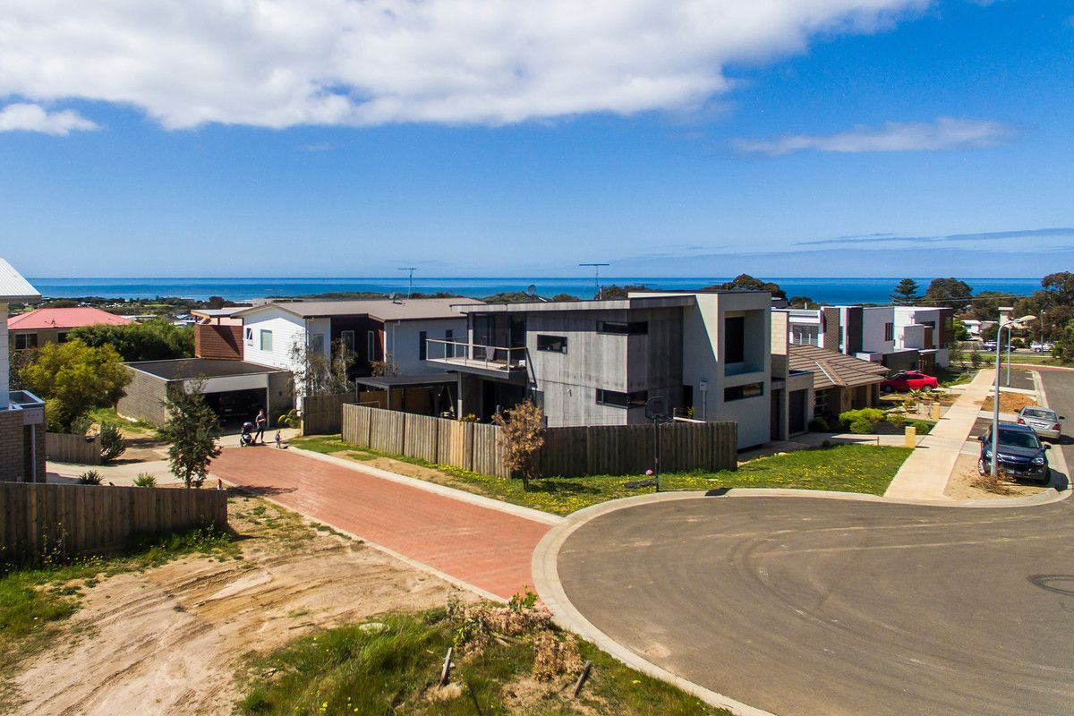 2 Currawong Court, Torquay VIC 3228, Image 2