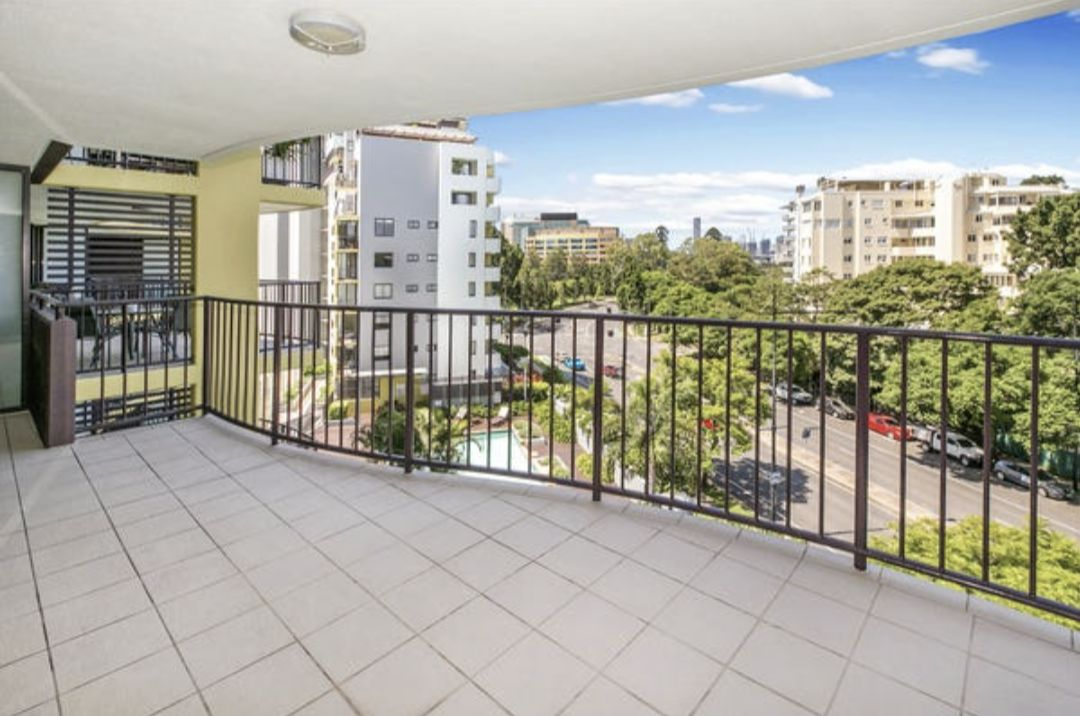 1 bedrooms Apartment / Unit / Flat in 135/8 Land St AUCHENFLOWER QLD, 4066