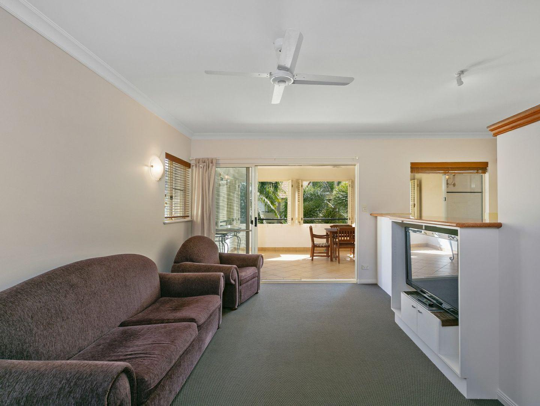 413/2 Greenslopes Street, Cairns North QLD 4870, Image 2