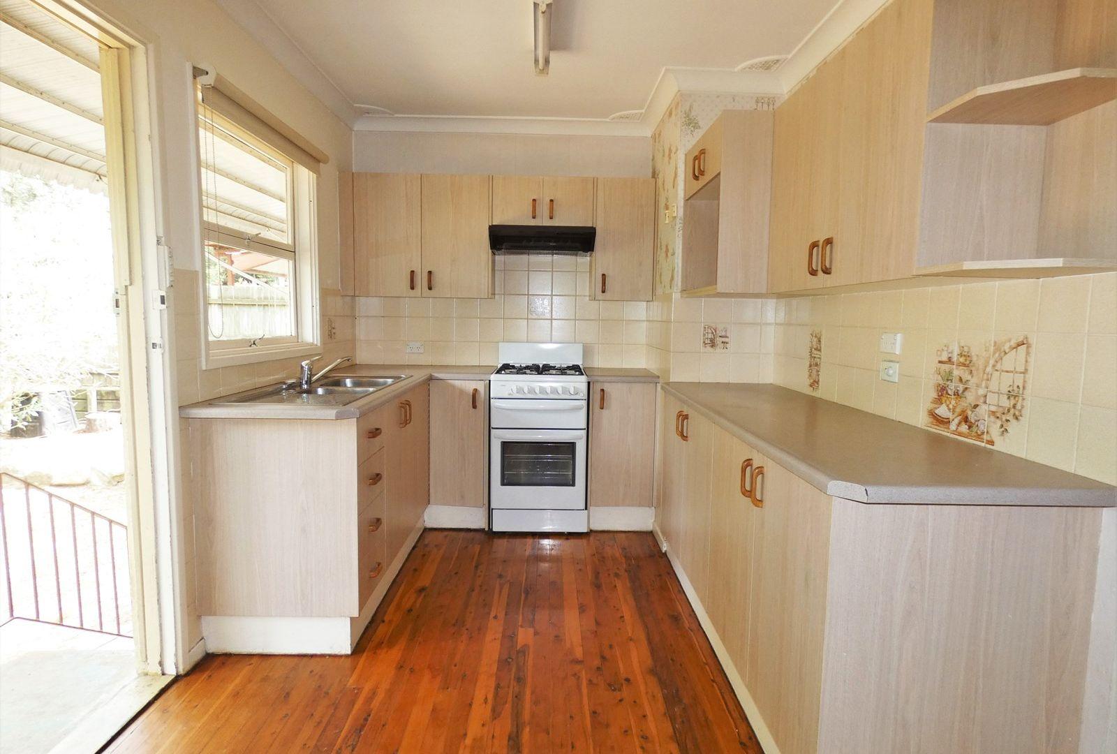 48 Centre Crescent, Blaxland NSW 2774, Image 2