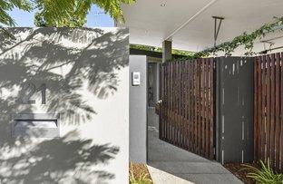 Picture of 21 Naranga Avenue, Broadbeach Waters QLD 4218