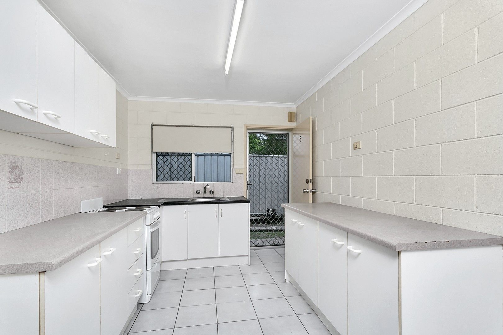 6/379 Mayers Street, Edge Hill QLD 4870, Image 2