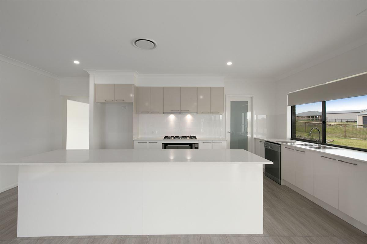 1-5 Lady Ardee Circuit, Logan Village QLD 4207, Image 2