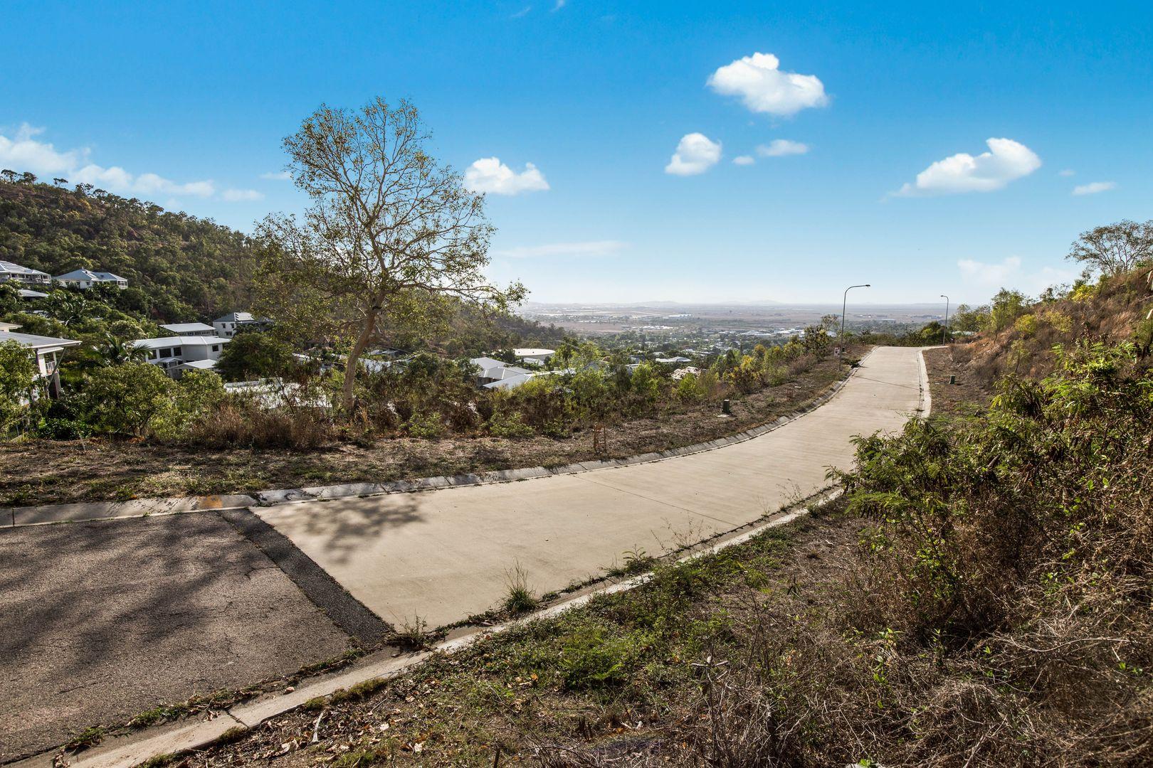 2 Monash Place, Castle Hill QLD 4810, Image 2