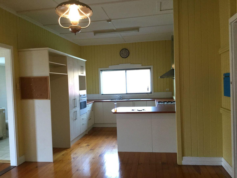 2 Guy Street, Warwick QLD 4370, Image 2