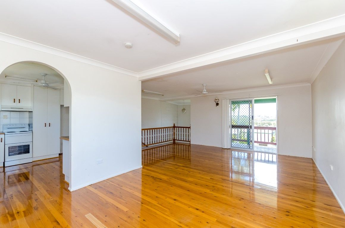 12 Coral Court, Kin Kora QLD 4680, Image 2