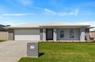 Picture of 59 Paradise Drive, Gobbagombalin NSW 2650