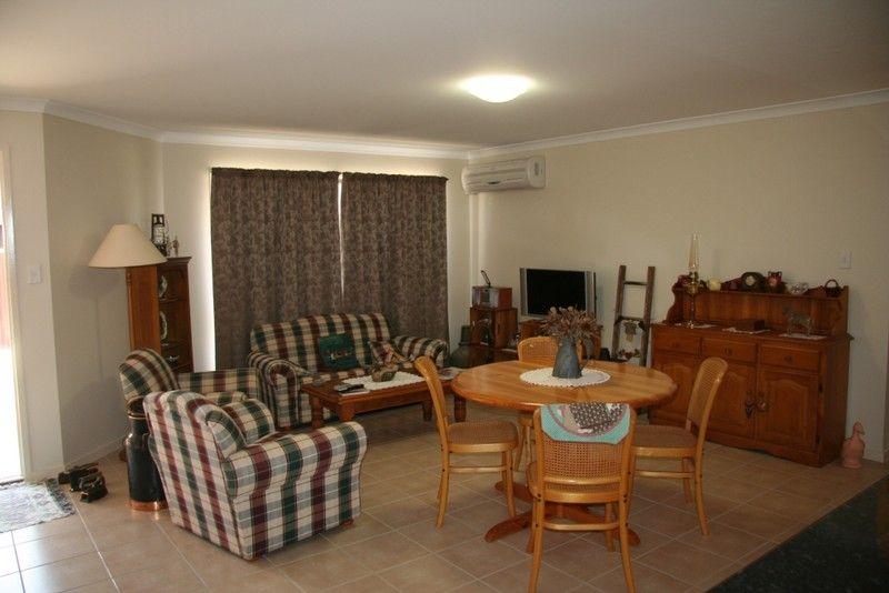 90 Windsor Circle, Kingaroy QLD 4610, Image 2